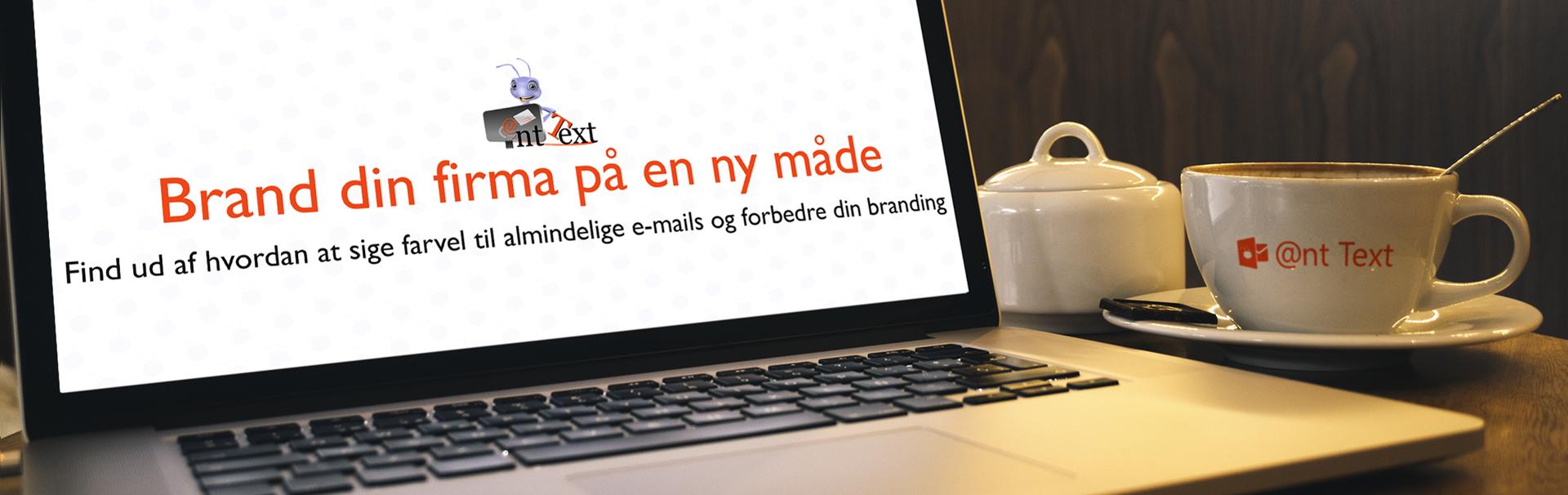 Header med skrivebord computer og kaffekop - tekst brand dit firma på en ny måde